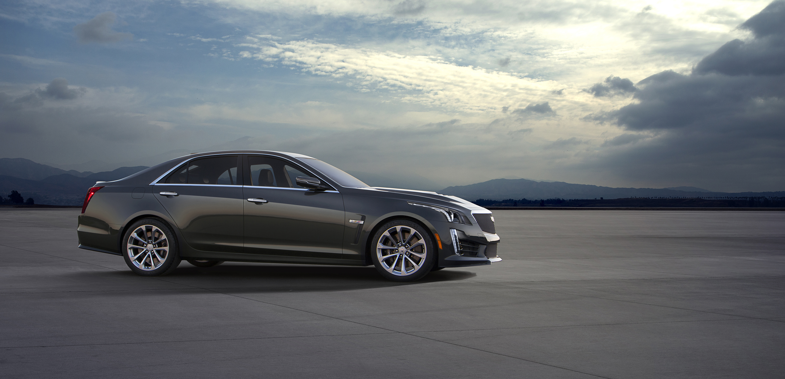 2016 cadillac cts v introduced at detroit naias. Black Bedroom Furniture Sets. Home Design Ideas